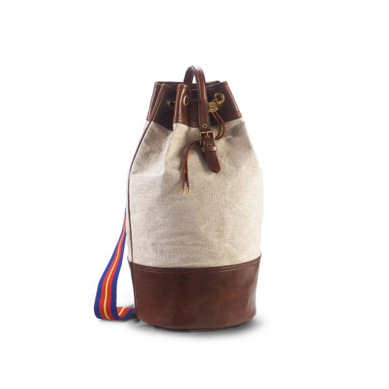 T07 - Vertical duffle bag in canvas