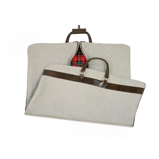 T09 - Garment bag