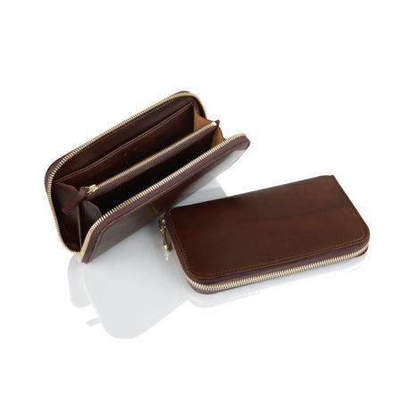 A24 - Zippered wallet